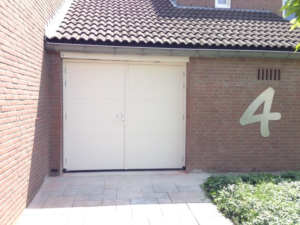 Openslaande garagedeuren van hout different doors garagedeuren - Deur kast garagedeur ...